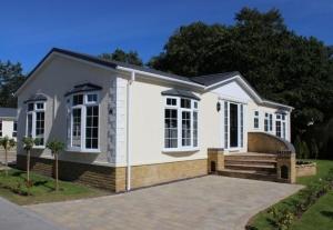 exterior omar sandringham park home