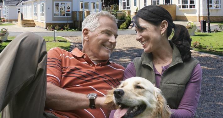 royalelife development couple with dog leisure image