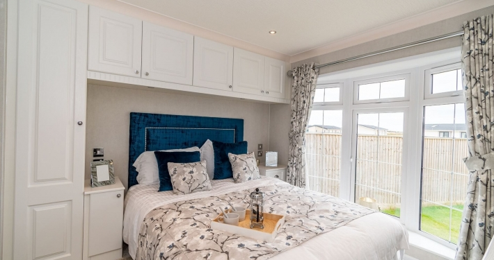 bedroom of bungalow for sale in milford on sea